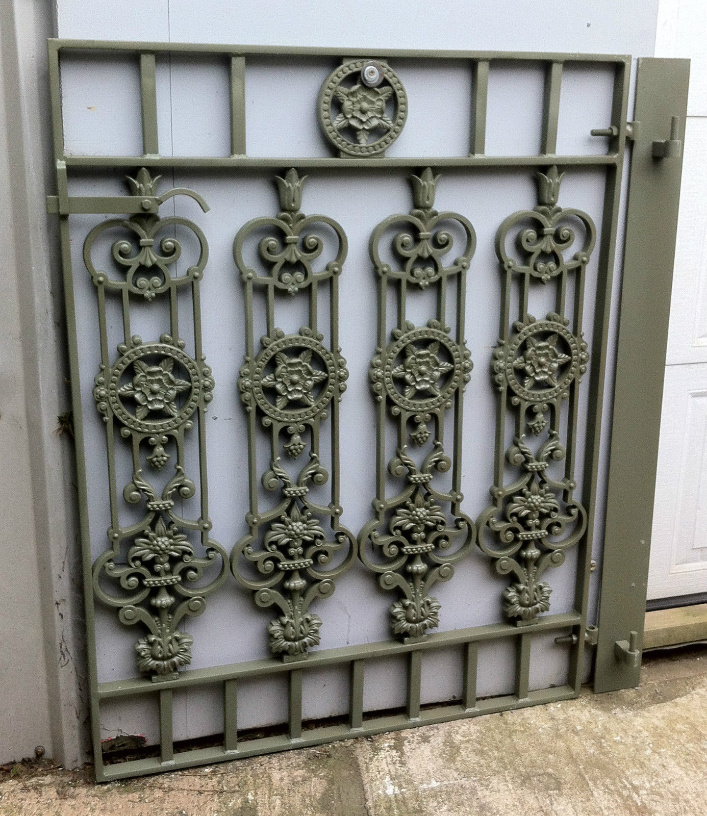 Victorian Style Metal Cast Iron Gate Garden Drive Way Fence Post Rail Side